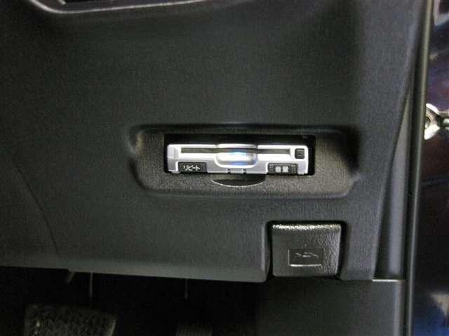 トヨタ プリウス S メモリーナビ フルセグ バックカメラ スマートキー