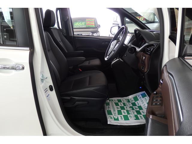 トヨタ エスクァイア Gi 4WD TRDエアロ 9型SDナビフルセグBカメラ