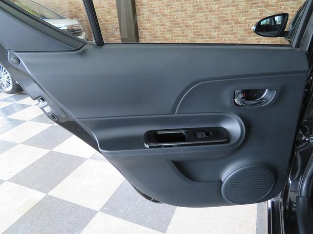 内外装ともにキレイなクルマです!また当社の在庫は全車、第三者機関(AIS)にて車輌状態検査評価書付ですので安心してご購入頂けます。