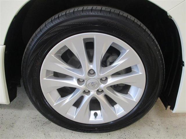 ボディの汚れや鉄粉を洗浄し、磨き上げ・コーティング。タイヤ・ホイール・エンジンルームまで、しっかり洗浄。