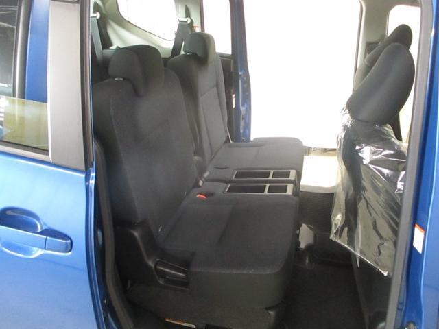 X Vパッケージ 4WD CDチューナー キーレス 3列シート 社外アルミ(23枚目)