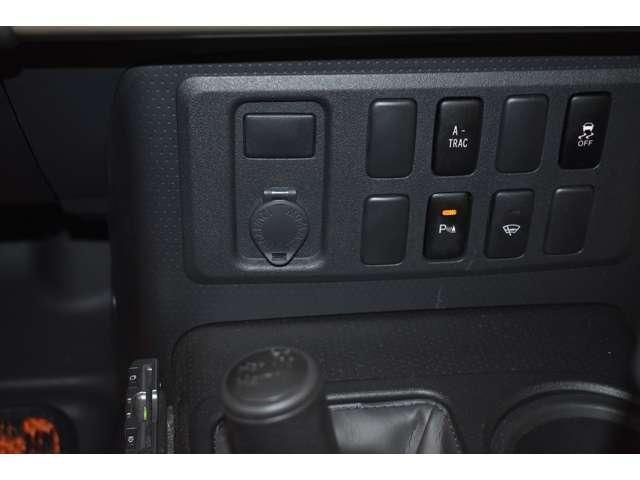 4.0 4WD 標準(5枚目)