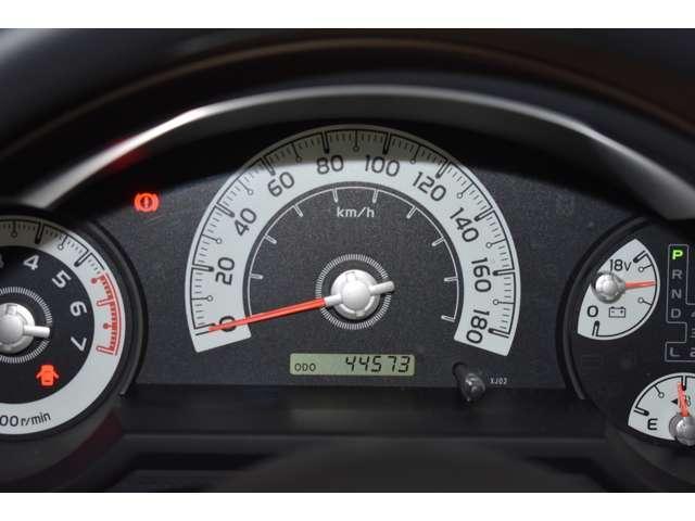 4.0 4WD 標準(9枚目)