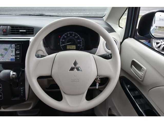 M 夏タイヤ4本新品交換 運転席シートヒーター ハロゲンライト タッチパネル式フルオートエアコン SDナビ ワンセグ アイドリングストップ(6枚目)