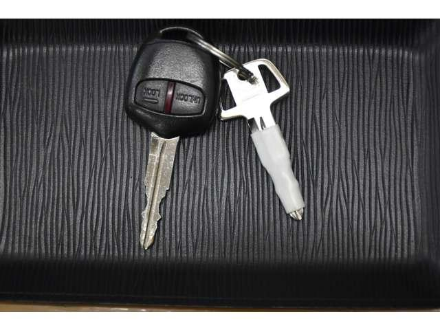 M 夏タイヤ4本新品交換 運転席シートヒーター ハロゲンライト タッチパネル式フルオートエアコン SDナビ ワンセグ アイドリングストップ(9枚目)
