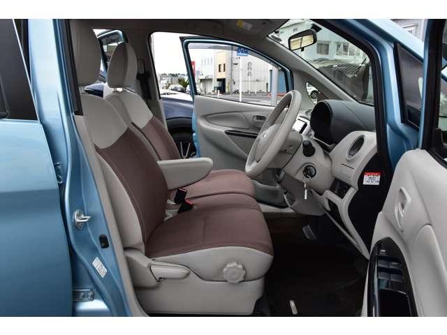 M 夏タイヤ4本新品交換 運転席シートヒーター ハロゲンライト タッチパネル式フルオートエアコン SDナビ ワンセグ アイドリングストップ(10枚目)