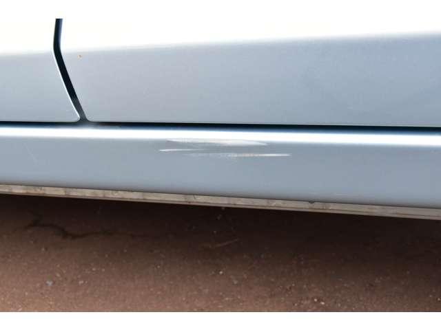 M 夏タイヤ4本新品交換 運転席シートヒーター ハロゲンライト タッチパネル式フルオートエアコン SDナビ ワンセグ アイドリングストップ(19枚目)