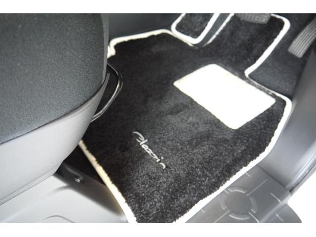 D パワーパッケージ 2.2リッター ディーゼルターボ 4WD 両側電動スライドドア HIDヘッドランプ 8人乗り(19枚目)