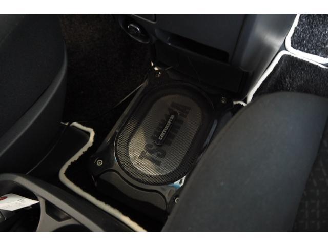 D パワーパッケージ 2.2リッター ディーゼルターボ 4WD 両側電動スライドドア HIDヘッドランプ 8人乗り(20枚目)