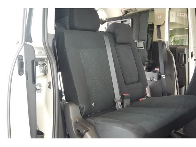 D パワーパッケージ 2.2リッター ディーゼルターボ 4WD 両側電動スライドドア HIDヘッドランプ 8人乗り(23枚目)