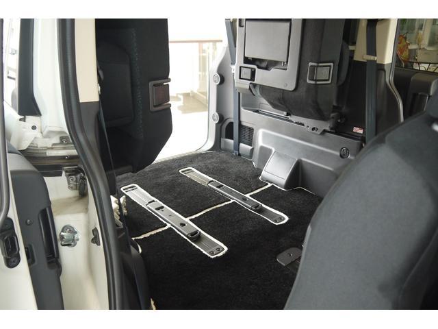 D パワーパッケージ 2.2リッター ディーゼルターボ 4WD 両側電動スライドドア HIDヘッドランプ 8人乗り(25枚目)