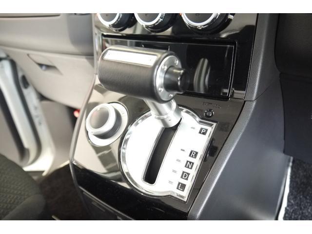 D パワーパッケージ 2.2リッター ディーゼルターボ 4WD 両側電動スライドドア HIDヘッドランプ 8人乗り(52枚目)