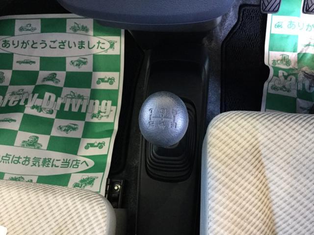 FX 4WD 5速マニュアル車 CDチューナー(12枚目)