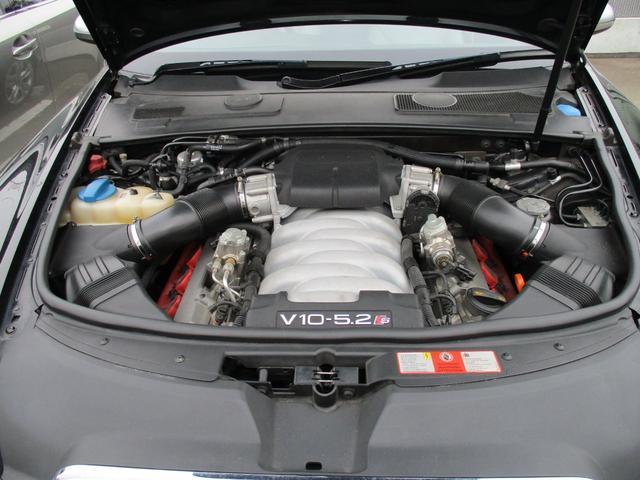 クワトロ 5.2V10エンジン サンルーフ(21枚目)