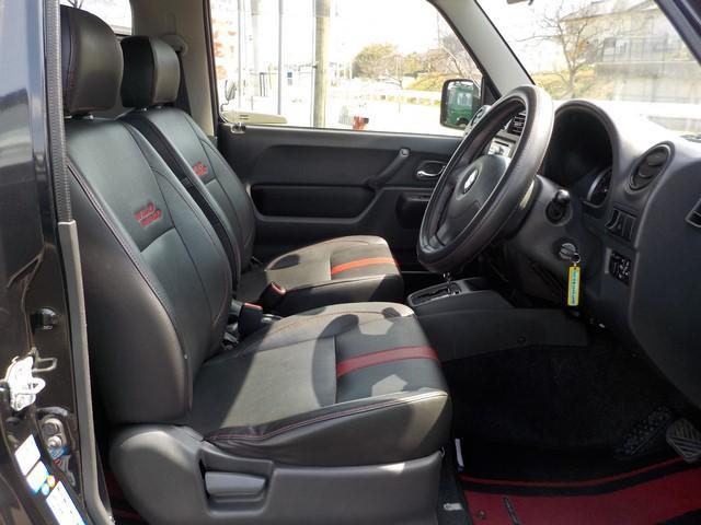 ワイルドウインド専用のシートデザインです。外装ブラック・内装ブラック。