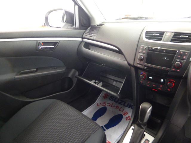 スズキ スイフト XG 4WD 登録済未使用車