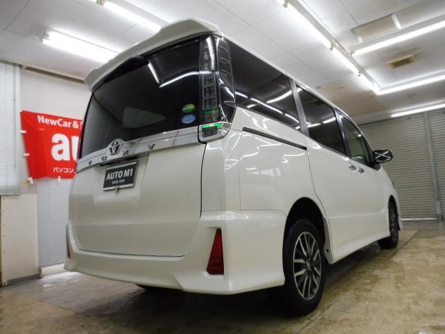 トヨタ ヴォクシー ZS 煌 4WD 寒冷地仕様