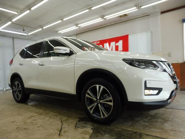 20Xi 4WD 登録済未使用車 社外新品ナビフルセグ付(3枚目)