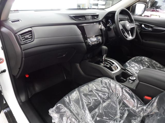 20Xi 4WD 登録済未使用車 社外新品ナビフルセグ付(9枚目)