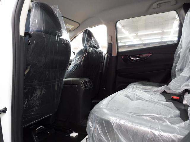 20Xi 4WD 登録済未使用車 社外新品ナビフルセグ付(14枚目)