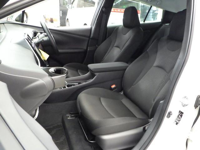 気持ち良く新しいカーライフがスタートできます様、全車内外装クリーニングを実施しております。