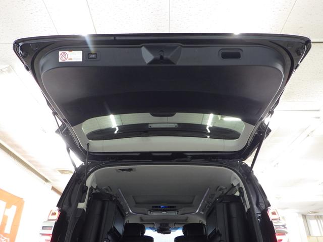 ZR Gエディション 4WD ワンオーナー車 サンルーフ 黒革エアーシート アルパイン11インチナビフルセグ&フリップダウンモニター バックカメラ 両側パワースライドドア パワーバックドア トヨタセーフティセンス(25枚目)