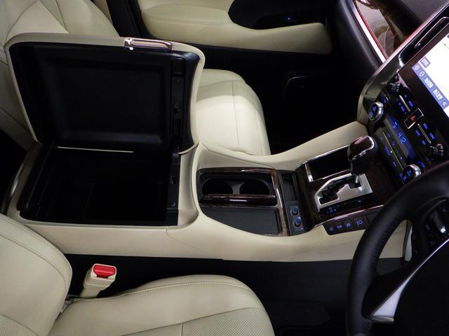 G Fパッケージ 4WD ワンオーナー車 メーカーOP10.5インチナビフルセグ リヤエンターテイメントシステム パノラミックビューモニター ベージュ革エアーシート 3眼ヘッドライト トヨタセーフティセンス(37枚目)