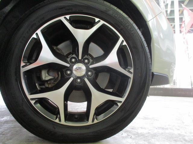 2.0XT ターボ 4WD 地デジSDナビ Bluetooth対応 バックカメラ シートヒーター パワーシート ハーフレザーシート パドルシフト スマートキー ミラーウィンカー クルーズコントロール HID ETC 純正18AW(20枚目)