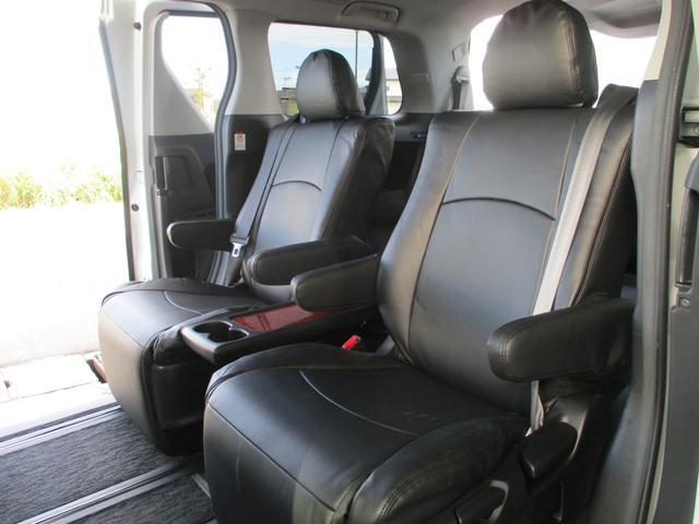2.0XT ターボ 4WD 地デジSDナビ Bluetooth対応 バックカメラ シートヒーター パワーシート ハーフレザーシート パドルシフト スマートキー ミラーウィンカー クルーズコントロール HID ETC 純正18AW(29枚目)
