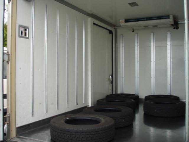 フルジャストロー 2t 冷凍冷蔵車 -7度 スタンバイ付き(8枚目)