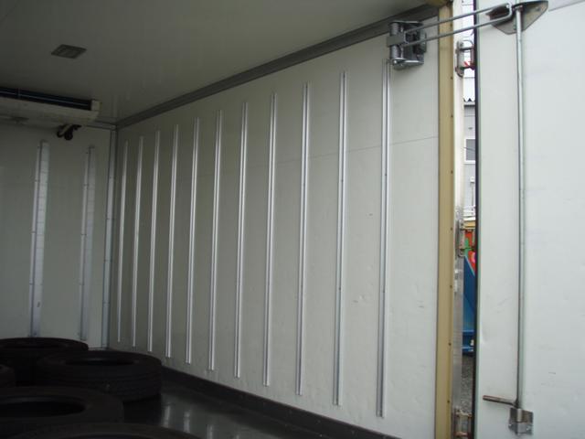 フルジャストロー 2t 冷凍冷蔵車 -7度 スタンバイ付き(9枚目)