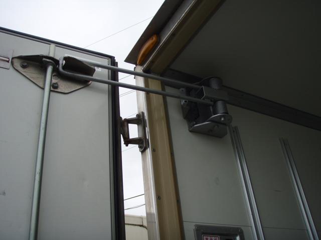 フルジャストロー 2t 冷凍冷蔵車 -7度 スタンバイ付き(10枚目)