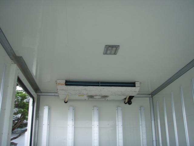 フルジャストロー 2t 冷凍冷蔵車 -7度 スタンバイ付き(12枚目)