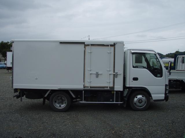 いすゞ エルフトラック 2t 冷蔵冷凍車