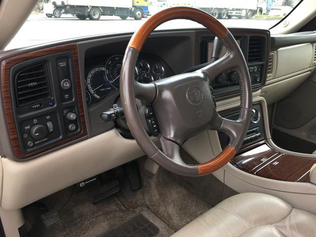 キャデラック キャデラック エスカレード ベースグレード 4WD