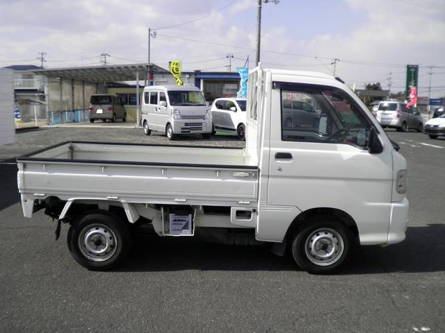 スペシャル 切替式4WD 5速マニュアル ゴムマット(4枚目)