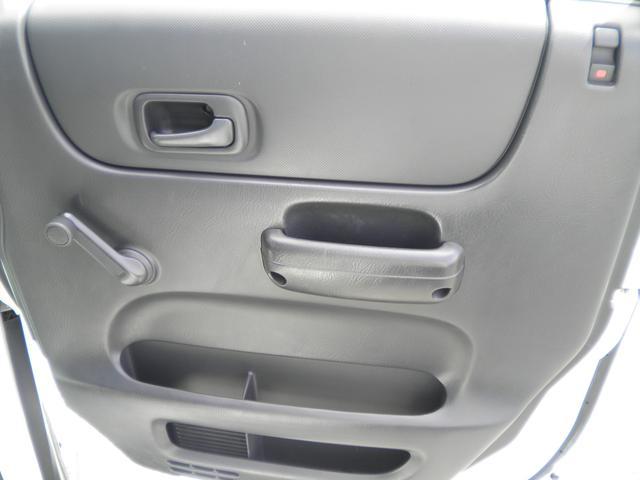 運転席ドアです。割れなどはありません。