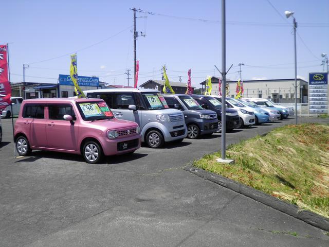常時約30台の車を展示しております