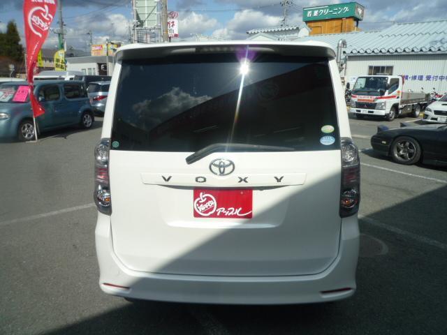 トヨタ ヴォクシー Z