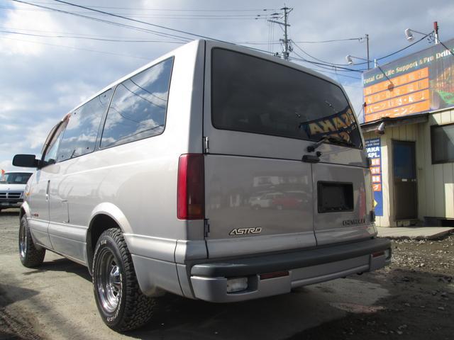 LS ディーラー車 8人乗りAWD BFグットリッチタイヤ(6枚目)