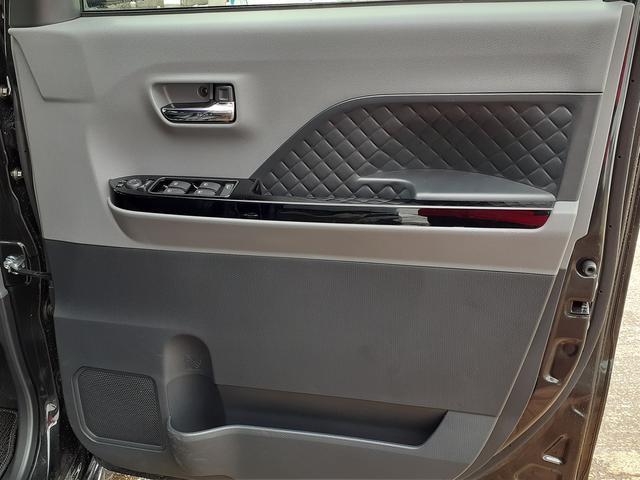 カスタムXセレクション 4WD・両側電動スライドドア・シートヒーター(33枚目)