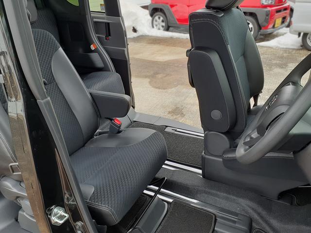 カスタムXセレクション 4WD・両側電動スライドドア・シートヒーター(51枚目)