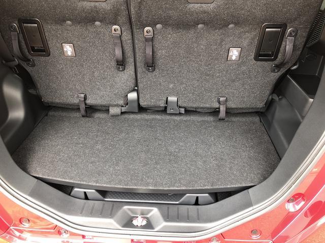 荷室空間も広く、シートアレンジもできるので使い分けできます。