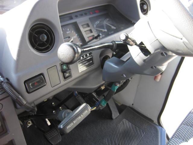 トヨタ クイックデリバリー 2t車 ディーゼル マニュアル