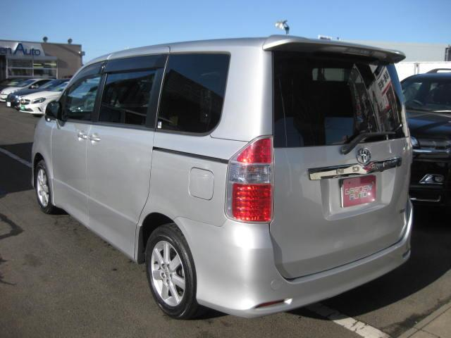 トヨタ ノア Si 上級グレード 純正HDDフルセグナビ 両側電動ドア