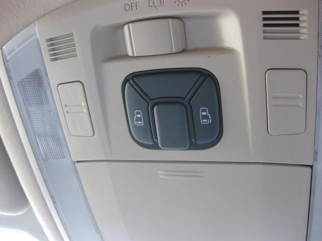 240X トヨタHDDナビ 両側電動ドア 1オーナー車(18枚目)