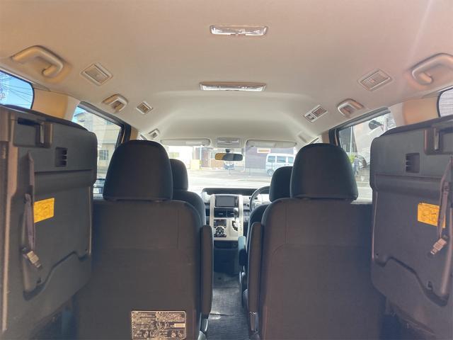ZS 4WD パナソニックストラーダメモリーナビ フルセグTV バックカメラ CD DVD再生可 Bluetooth接続 スマートキー 純正16インチアルミ 左側電動スライドドア ETC 7人乗り(11枚目)