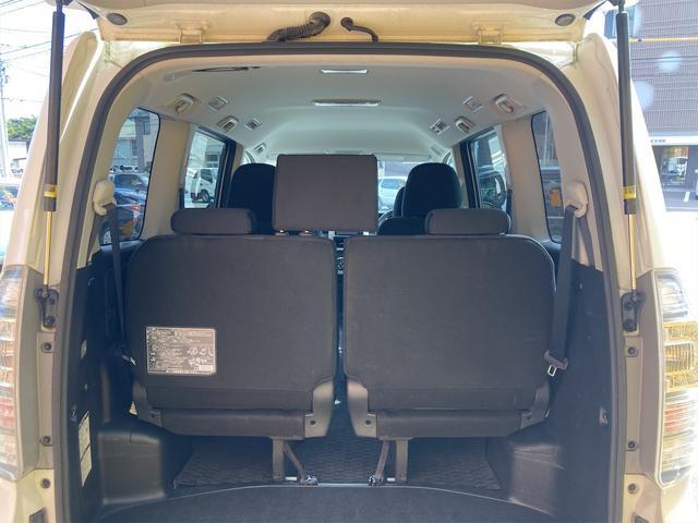 ZS 4WD パナソニックストラーダメモリーナビ フルセグTV バックカメラ CD DVD再生可 Bluetooth接続 スマートキー 純正16インチアルミ 左側電動スライドドア ETC 7人乗り(13枚目)