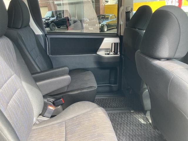 ZS 4WD パナソニックストラーダメモリーナビ フルセグTV バックカメラ CD DVD再生可 Bluetooth接続 スマートキー 純正16インチアルミ 左側電動スライドドア ETC 7人乗り(18枚目)