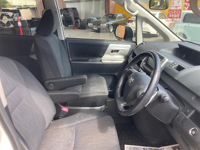 ZS 4WD パナソニックストラーダメモリーナビ フルセグTV バックカメラ CD DVD再生可 Bluetooth接続 スマートキー 純正16インチアルミ 左側電動スライドドア ETC 7人乗り(25枚目)